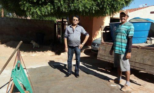 A PREFEITURA MUNICIPAL DE MATO GROSSO REALIZA CONSERTO DE CALÇAMENTOS.