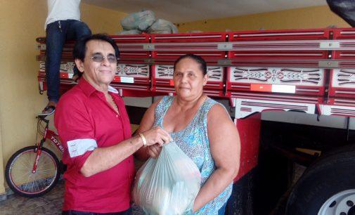 Prefeitura de Mato Grosso distribui alimentos da Semana Santa