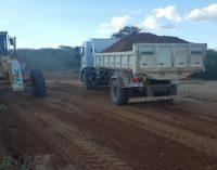 A Prefeitura Municipal de Mato Grosso começa a recuperação de estradas vicinais.