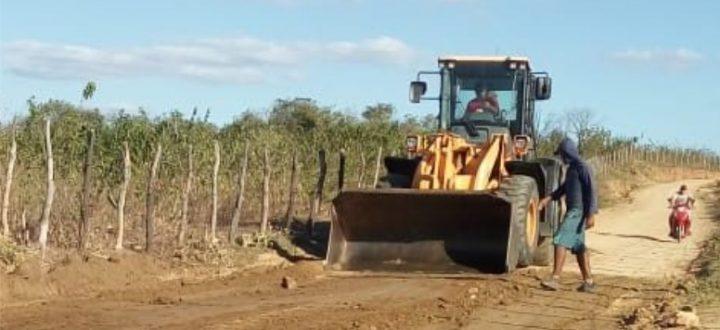 Prefeito Doca Lima afirma que a recuperação de estradas que dão acesso ao município é um progresso
