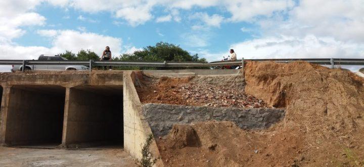 Secretaria de Obras, Viação e Urbanismo recupera trecho da ponte do Riachão das Pedras