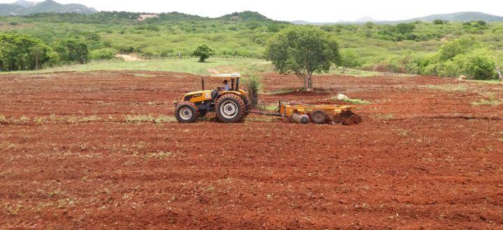 Prefeitura reforça corte de terras e redobra apoio aos agricultores neste período de chuva