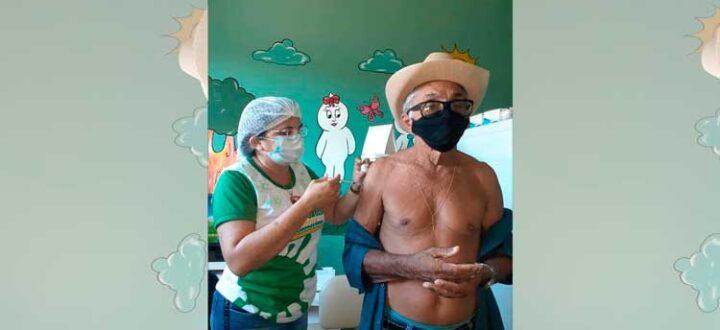 Secretaria de Saúde de Mato Grosso segue vacinando idosos entre 70 a 74 anos
